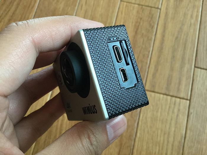 WiMiUS MicroSDカードの入れ方