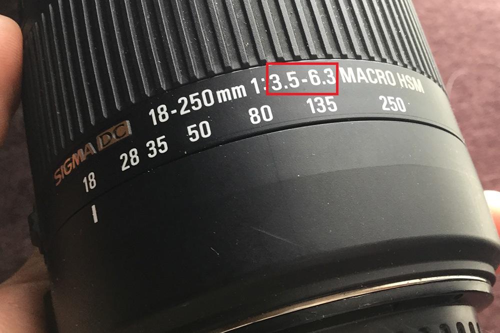 一眼レフカメラレンズのf値