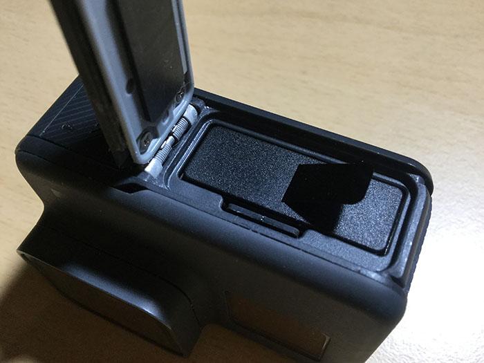GoPro HERO6バッテリーの入れ方