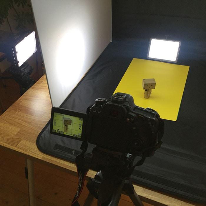 背景用の色紙 初心者向けの簡易照明を使った物撮り入門