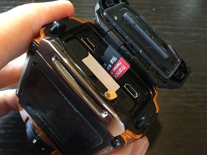 RICOH WG-M2バッテリー、MicroSDカードスロット アクションカメラ
